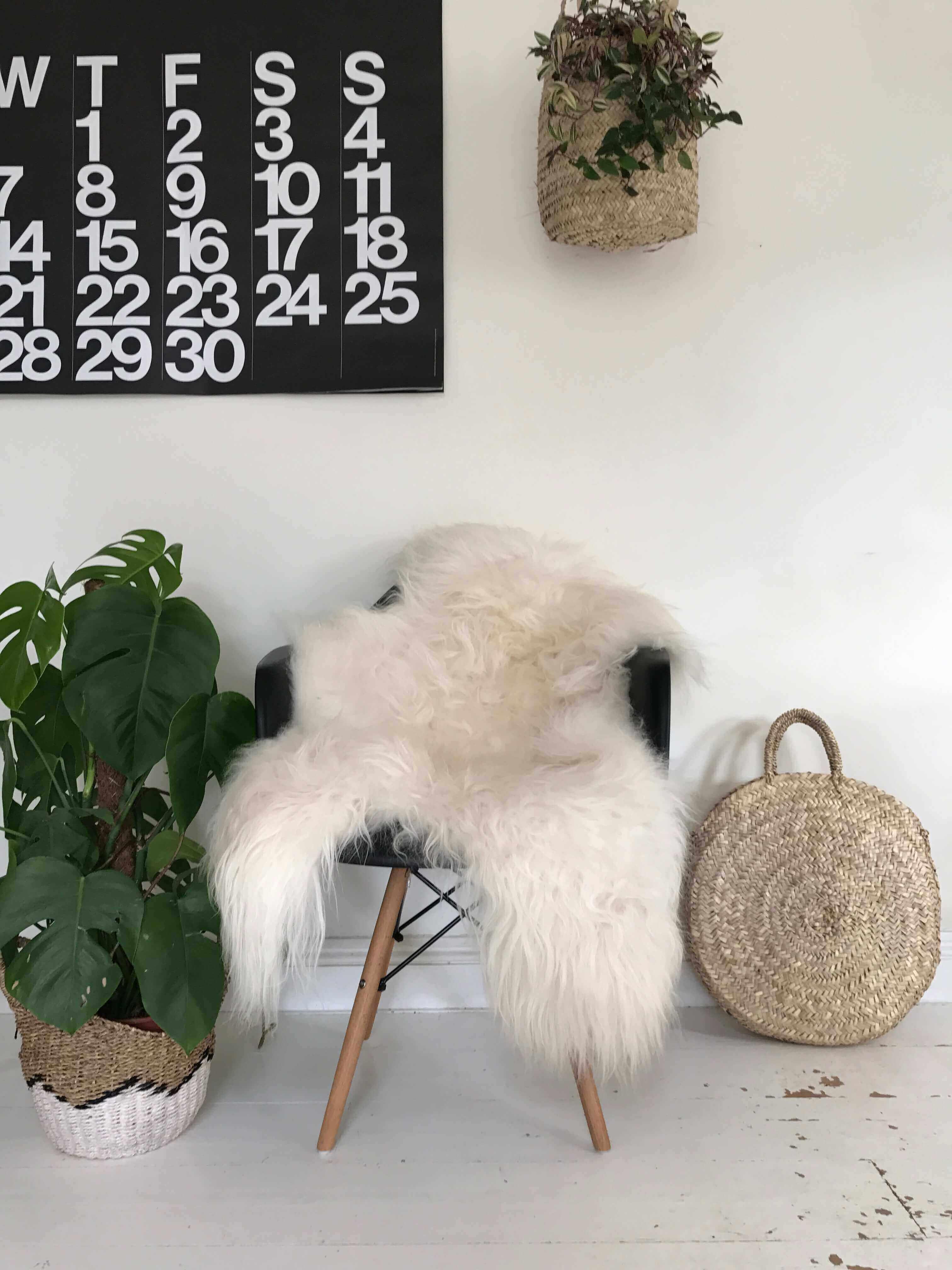 Single Natural Icelandic Sheepskin Rug White